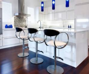 Модернизируем кухню при помощи барных стульев